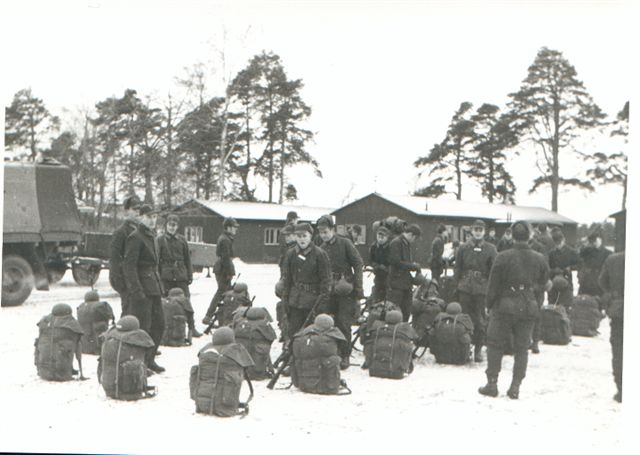Andra pluton på väg mot jägarveckan